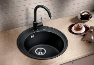 Чем удобна круглая мойка по сравнению с другими видами кухонных раковин
