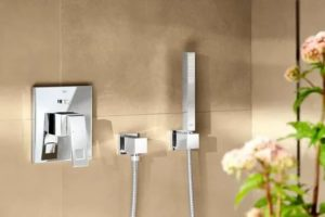 Настенный душ: из чего он состоит и как работает