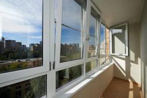 Какие окна поставить на балкон