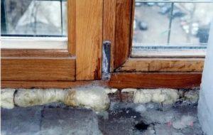 Почему в деревянном доме потеют пластиковые окна