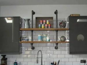 Газовые трубы на кухне и особенности их монтажа и декорирования