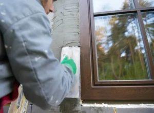 Чем заделать пену снаружи окна