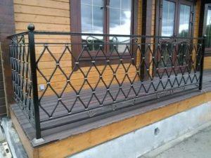 Ограждение балкона из металла своими руками