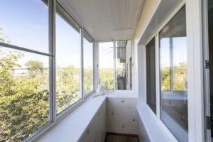 Как правильно застеклить балкон