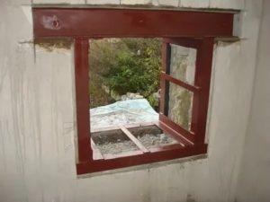 Как расширить окно в кирпичном доме