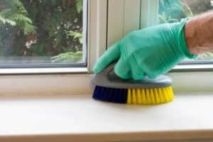 Как отбелить пластиковый подоконник от желтизны