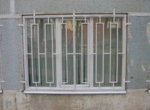 Как установить решетки на пластиковые окна