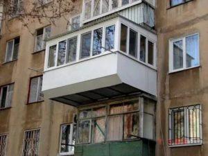 Как увеличить балкон на втором этаже