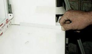 Крепление стартового профиля к пластиковому окну