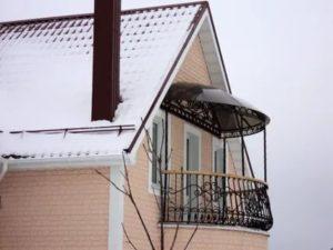 Крыша над балконом в частном доме