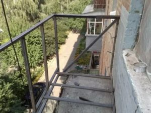 Как увеличить балкон в хрущевке