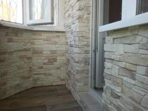 Облицовка балкона искусственным камнем