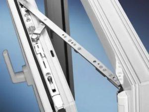 Ремонт поворотно откидного механизма пластикового окна