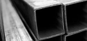 Профильная труба 100х100: основные характеристики и особенности применения