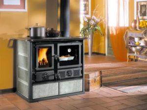 Отопительно-варочные печи длительного горения: особенности конструкции и назначение
