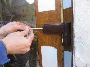 Установка алюминиевых дверей своими руками