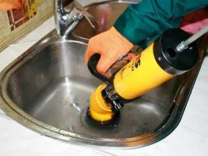 Как и чем прочистить трубы в бытовых условиях