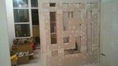 Как вставить стекло в гипсокартонную перегородку?