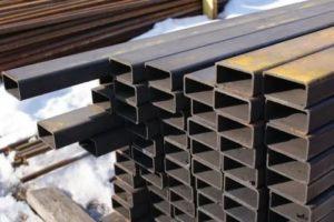Где применяется стальная профильная труба 40х20 мм в домашнем хозяйстве
