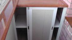 Шкаф на балкон своими руками из пластика