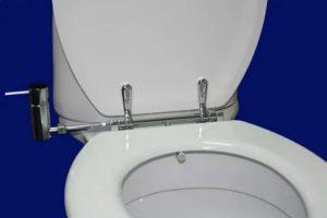 Что такое крышка биде для унитаза, и как ее использовать в домашнем туалете