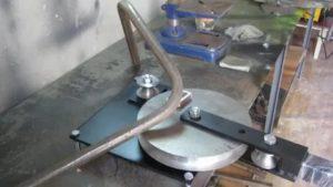 Как гнуть трубы: делаем без использования специального инструмента