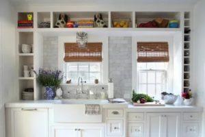 Как использовать пространство вокруг окна на кухне