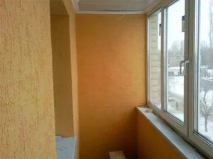 Чем оштукатурить балкон внутри