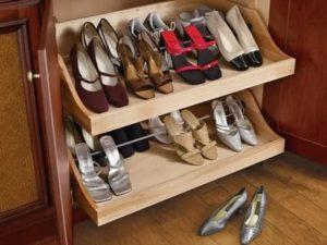 Можно ли хранить обувь на балконе зимой