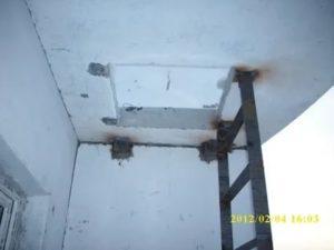 Пожарный люк на балконе что делать