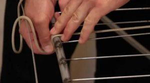 Как завязать бельевую веревку на балконе
