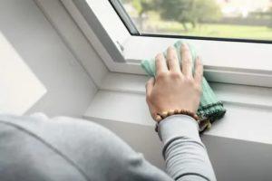 Как очистить подоконник пластикового окна