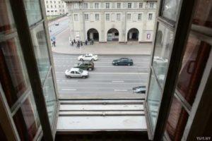 Шум от машин за окном что делать