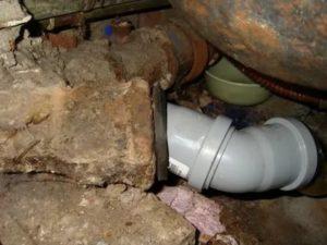 Тройник для канализации: выбор материала, способ замены