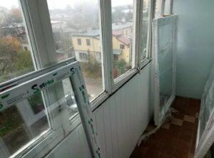 Поменять окна на балконе стоимость