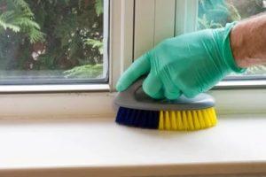 Как очистить пластиковые подоконники от грязи