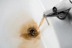 Грязная вода из крана: причины явления и способы борьбы