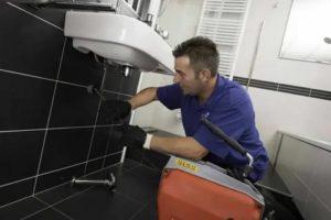 Оборудование для прочистки канализации: рассматриваем способы устранения засоров