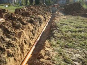 Как проложить канализационные трубы в частном доме во время строительства или капитального ремонта