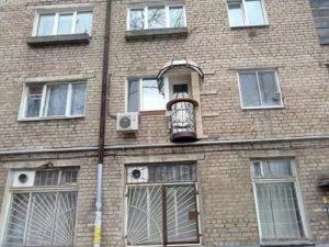Является ли балкон общественным местом